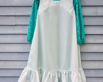 Girl's size 8/10 Pioneer/Prairie costume, Light Teal Green and White.