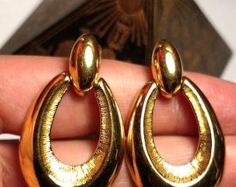 1980s Vintage Large Gold Signed Monet Door Knocker Oval U Shaped Pierced Hoop Drop Earrings