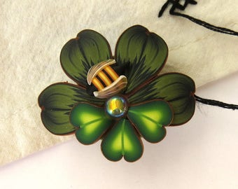 Lucky Clover St Patrick's Day Needle Minder, Shamrock Needle Nanny, Bumble Bee Magnetic Brooch by Claybykim