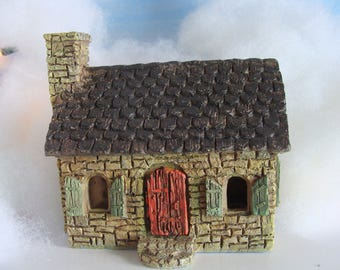 Miniature Doll or Fairy Garden Cottage