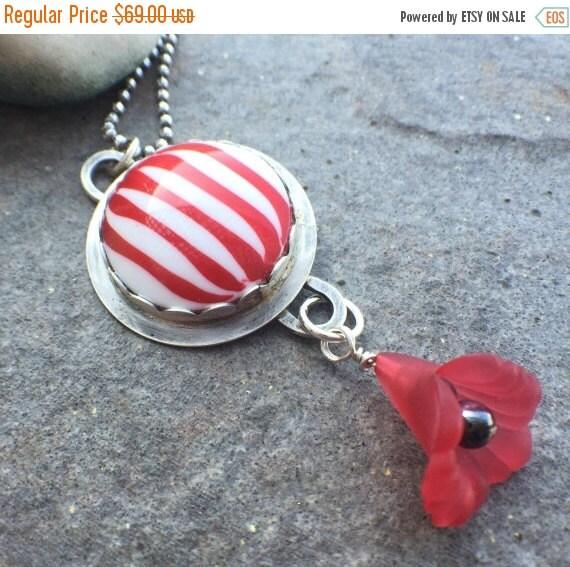 25% Off - Sterling Silver Vintage Cab Vintage Flower Necklace