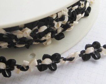 Ribbon Galon Rococo vintage French trimming rosettes Black and White