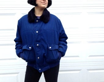 1990's Navy & Black Winter Jacket in Large XL . Layered Coat Ski Snow . 90s Style Warm . Pockets Collar Zip Up Faux Fur Alpine Ski Clasps
