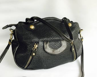 Lynx leather bag pebbled black