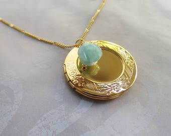 Floral Locket Necklace Keepsake Locket Jewelry Locket Gift for Mother Daughter Family Heirloom Photo Locket Gold Locket
