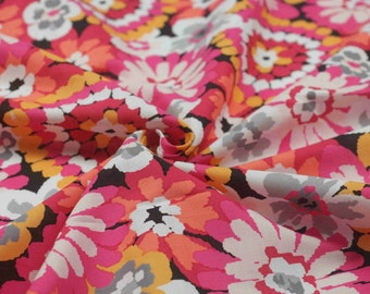4285 - Retro Floral Cotton Fabric - 59 Inch (Width) x 1/2 Yard (Length)