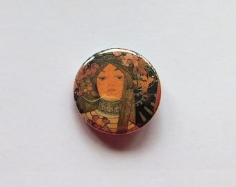 2 Buttons Jugendstil Mucha