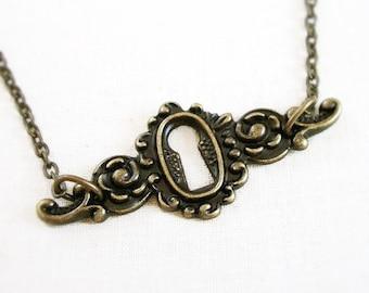 Allene - keyhole necklace - Antique Brass - Steampunk