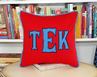 Heritage - Large Font Applique Monogrammed Pillow Cover - 18 x 18 square