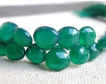 Black Friday Sale Green Onyx Gemstone Briolette Faceted Heart Emerald Green 7mm 1/2 Strand 27 beads