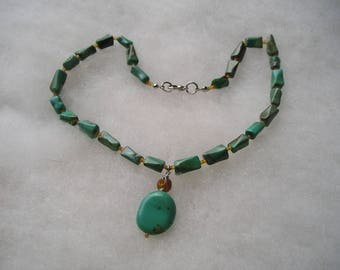 pretty Turquoise Stone & Drop Necklace