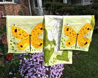 Vera Neumann springtime napkins, butterflies, flowers, ladybugs, vintage linens, table linens, kitchen and dining, Vintage Vera napkins