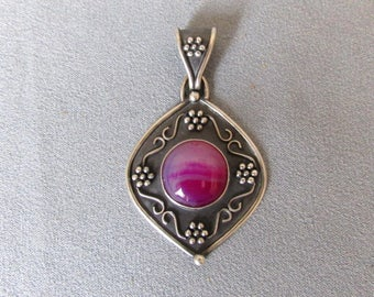 Handmade Sterling Silver Pendant with Agate