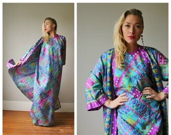 ON SALE 1970s Vibrant Nordstrom Kaftan Dress~Size Small to Medium