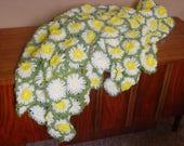 Daisy Afghan, 3D Daisy throw, 1970s, crewel Bright Spring Throw, Happy Cozy Blanket, Retro Handmade Throw