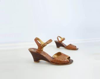 Tan Wedge Sandal 70s Vintage Sandal Peep Toe Sandal Tan Leather Sandal 70s Does 40s Sandal Low Heel Wedge 70s Summer Shoes Size 5