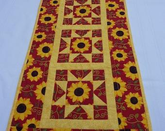 Sunflower Vine Star Table Runner