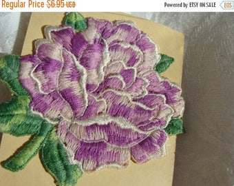 ONSALE One Beautiful Vintage 1940s Embroidery Appliqué