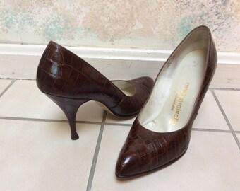 Vintage dark brown croc embossed leather high heels, retro secretary Mademoiselle 50s high heel pumps, brown high heel shoe sz 7Narrow