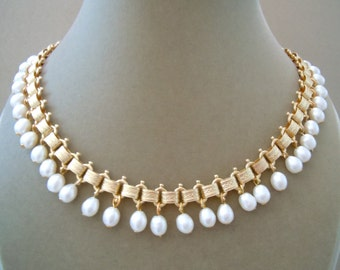 Pearl Crown -- Cultured Freshwater Pearl Statement Necklace