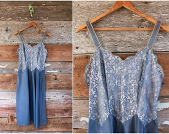 "1950s slip by Barbizon | gray blue lace dress slip | size small bust 32-34"" waist 26"""