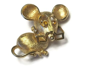 Avon Mouse Pin Rhinestone Eyes Moveable Glasses Spectacular Mouse 1972 Vintage