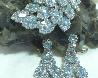 Beautiful Brooch Earrings Baby Blue Rhinestones Silver Sparkle Unsigned