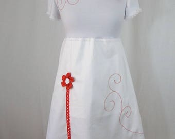 Robe Chihiro red and white flowers embossed