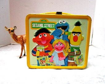 VINTAGE Sesame Street Lunchbox Metal, 80s, Aladdin, Muppets, Bert + Ernie, Big Bird, Cookie Monster, School, Craft Case, Nostalgia