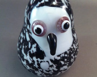 Vintage Black and White Glass Penguin Paperweight, Penguins, Whimsical Penguins, Paperweights,Penguin Paperweights, penguins, *USA ONLY*