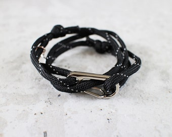 Cord Tiga - black paracord cord wrap bracelet with silver metal clasp, unisex, adjustable size