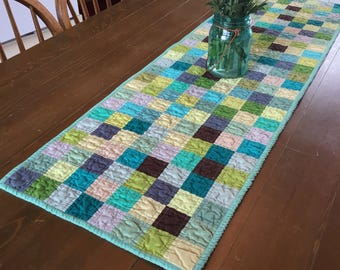 Quilted Patchwork Table Runner (Free US shipping)