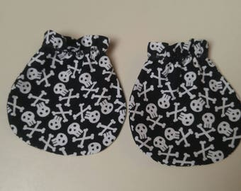 Fun Skull and Crossbones Baby Mitts