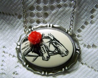 Kentucky Derby Necklace - Red Rose - Preakness Belmont Stakes Triple Crown Necklace - Horse Racing Jewelry Equestrian Necklace Gift for Mom
