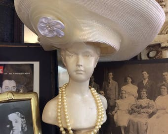 Fabulous Vintage 60s Mod Avant Garde Couture Derby Ivory Straw Huge Ladies Summer Hat