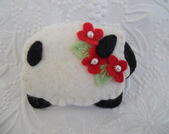 Sheep Brooch Felt Flower Primitive Valentine's Day Wool Pin Jewelry