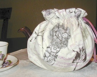 Classical Music in Plum- Reversible Teapot Cozy (Cosy)