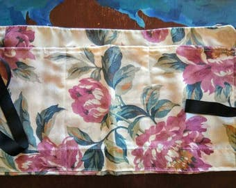 Pillow case pocket apron with robin ties--craft fairs--farmers markets
