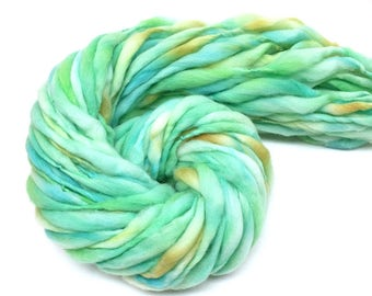 Super bulky hand spun yarn, thick and thin in hand dyed merino wool - 59 yards, 3.5 ounces/ 100 grams