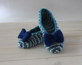 Blue, grey, white striped slippers with bow, slippers size 36 - 37 EU (US 6 - 6,5), hand knitted slippers, slippers are ready to ship