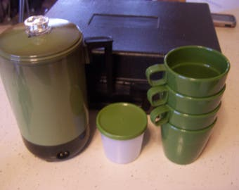 Vintage Green Portable Electric Peroclator Travel Coffee Pot, w/Case, Car, RV, Camping, 2 Cords, Works, Avocado Green, Glamping