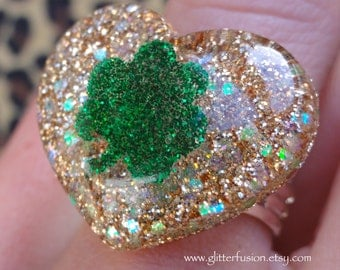 Gold Glittery Shamrock Resin Heart Ring, St. Patrick's Day Resin Statement Ring, Irish Pride Ring, Kawaii Glitter Heart Ring, GlitterFusion