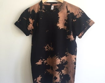 Graphic Lava Tee in Small