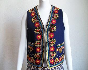 Vintage Hippie Bohemian Gypsy Folkloric Embroidered Wool Folk Vest Sz M B35
