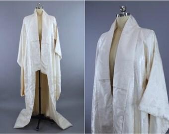 Vintage Silk Kimono Robe / Shiromuku Wedding Kimono Dressing Gown Lingerie / Uchikake / Art Deco White Satin Embroidered Peacock