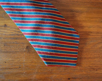 1980s Brooks Brothers silk tie green red and yellow