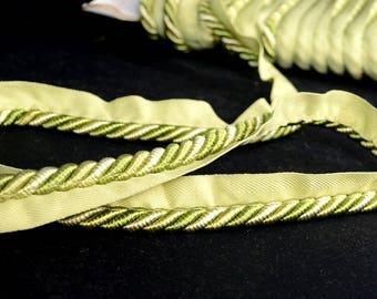 BC10003 14 Bellgio Lip Cord Green Fabric Trim
