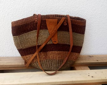 Straw Basket.Straw and Leather
