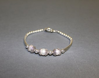 Silver and pearls bracelet