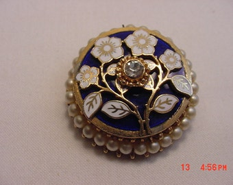 Vintage Enameled Faux Pearl Accent Brooch  17 - 319